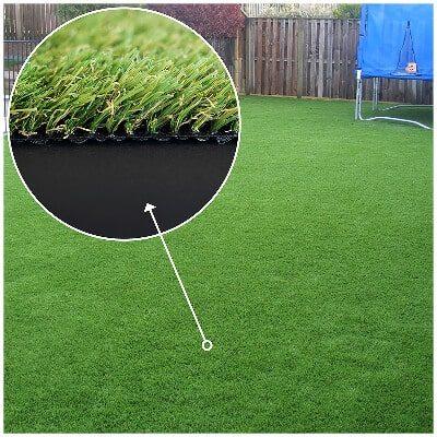 césped artificial Roble ideal para jardines con aspecto natural